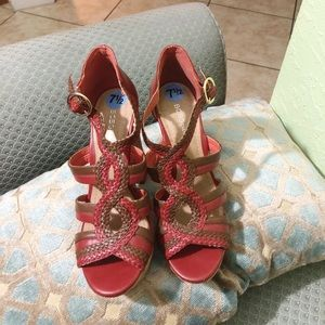 BCBG open toe sandals/heels